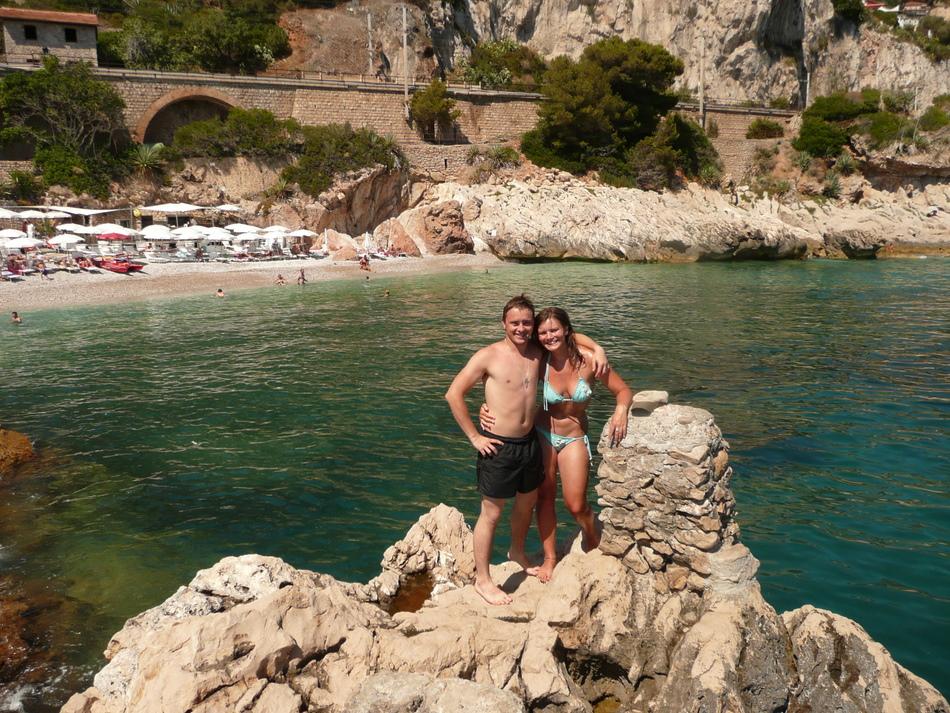 Peter und Debbie an der Balzi Rossi Bucht